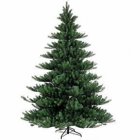 Keinotekoinen joulukuusi Nordmann Alnwick 270 cm